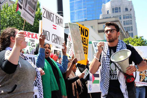 Anti-Israel demonstration in Seattle, July 12, 2014 (courtesy The Mike Report)