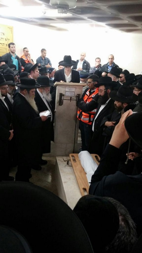 The funeral of 3-month old Chaya Zissel Braun, murdered by a Hamas terrorist (courtesy Isarel Hatzolah).